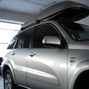 Zdjęcie SUV'a 1