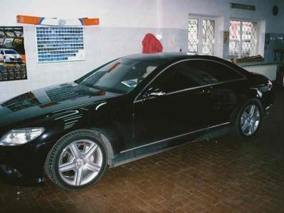 Zdjęcie Mercedesa podczas wykonywania usługi