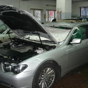 Zdjęcie wymiany przedniej szyby w BMW