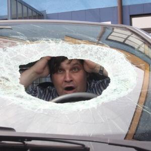 Zdjęcie naprawy bezgotówkowej szyby samochodowej